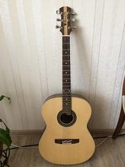 продам акустическую гитару сделана на заказ